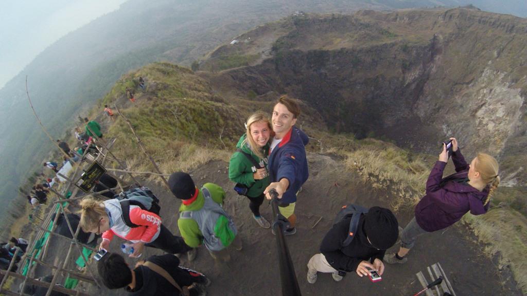 Sopka Batur 1717 m - pohled z vrcholu
